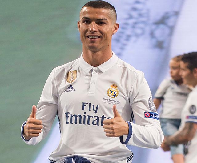 Cristiano Ronaldo welcomes his twin babies