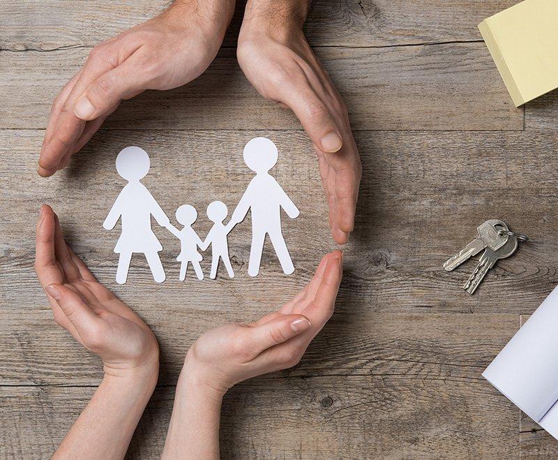 financecoupleshandsoverfamilypapercutsarticlehr17