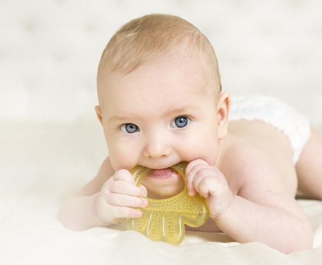 when-do-babies-start-teething