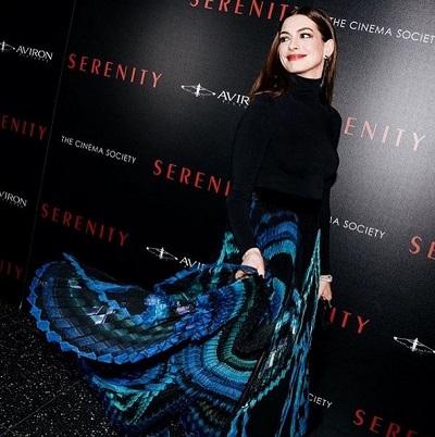 Anne Hathaway at Serenity premiere