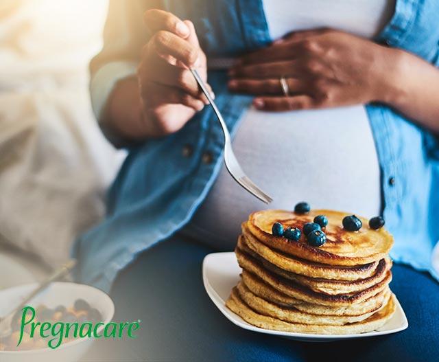 Cravings Pregnancy | Pregnant woman pancakes