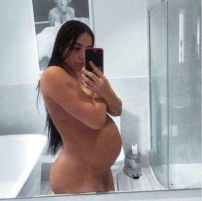 Marnie Simpson naked selfie