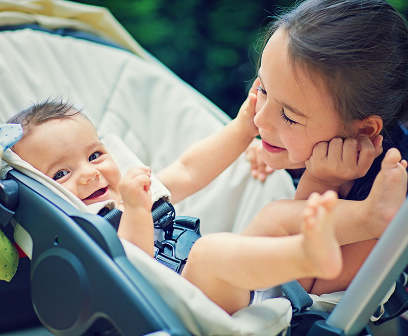 A pushchair or a travel system? Your guide to your baby's transport