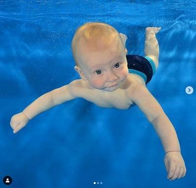 Rex swimming 1