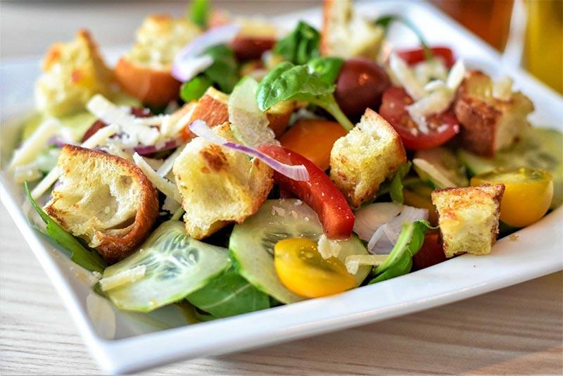 Tasty Traffic Light Salad