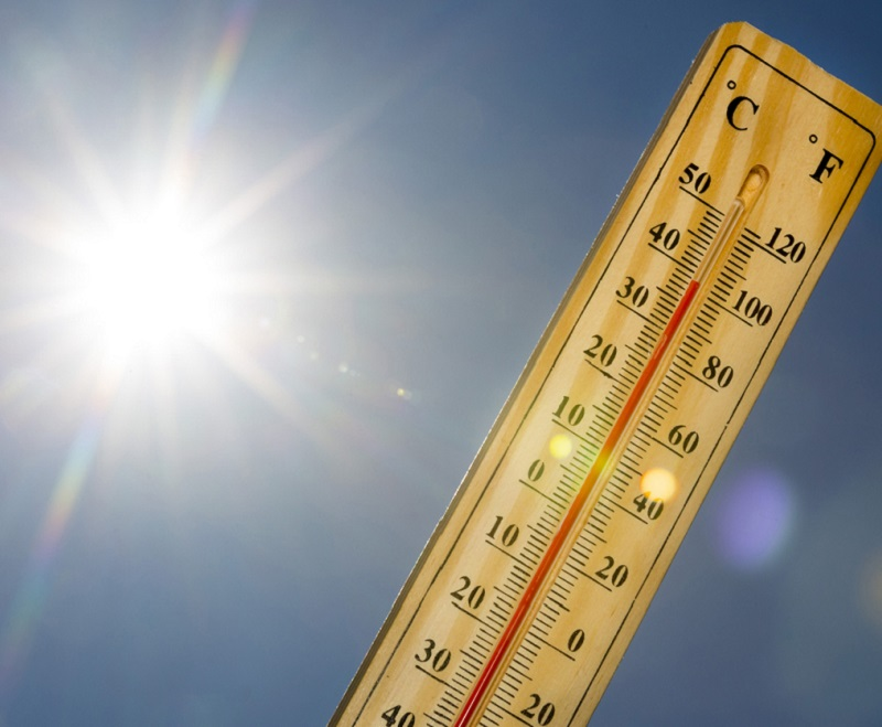 Thermometer showing heatwave