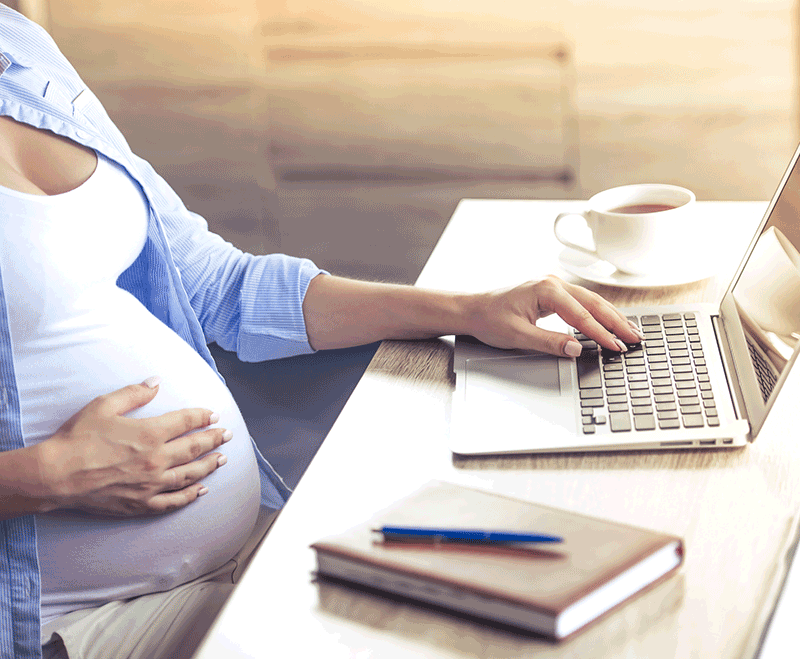woman working during pregnancy